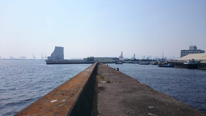 大阪北港 中の灯台