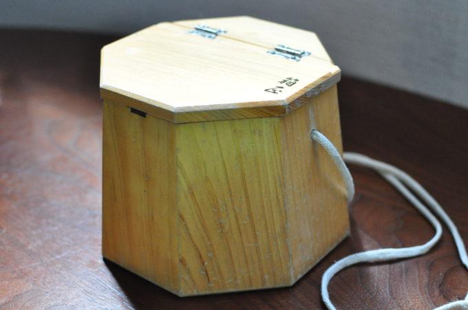 <ヘチ・エサ箱>【箱正作】木製八角エサ桶 中