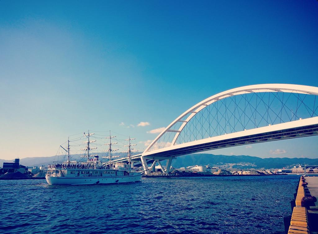 阪神高速5号湾岸線と日本丸