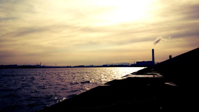 大阪北港関電赤灯台