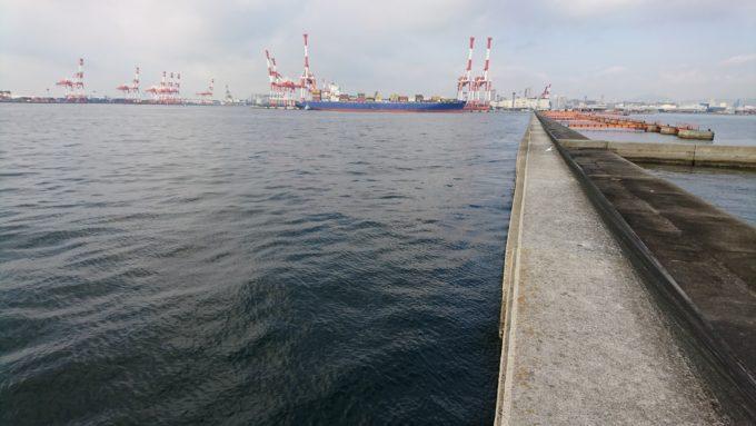 神戸第六防波堤 南面壁